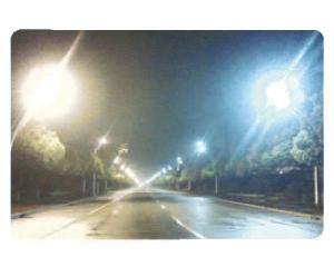 安徽铜陵地区100W的UST灯与250W的高压钠灯对比图